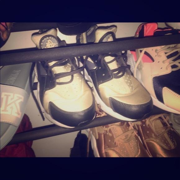 4207596e Nike Shoes | Huaraches | Poshmark